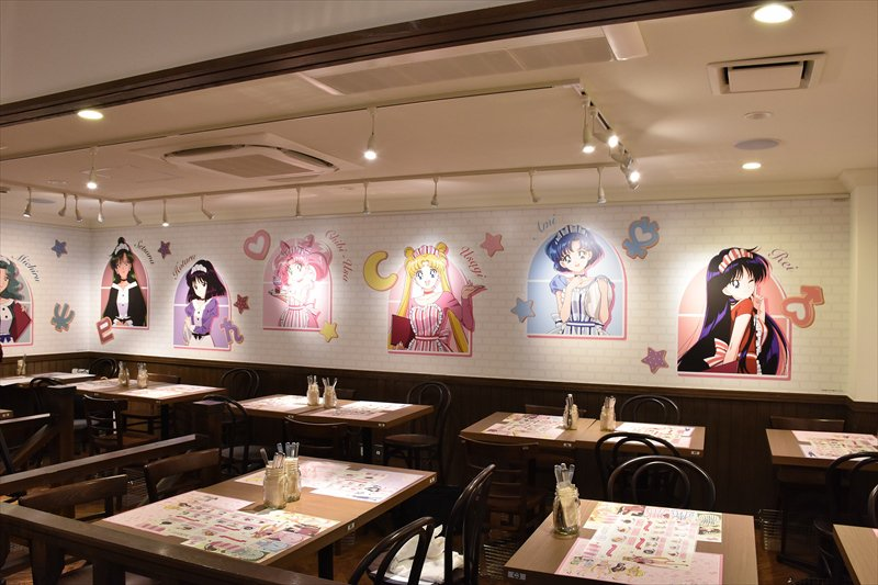 Inside the Sailor Moon Cafe (1)